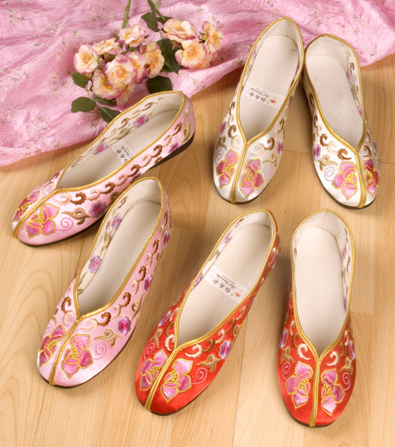 Chinese Embroidered Shoes Chinese Accessories Women