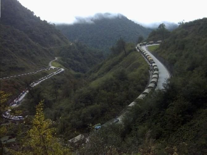 Road Shipping to Tibet: Sichuan-Tibet Highway