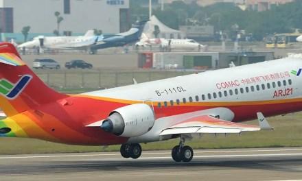 Premier vol commercial pour l'ARJ21