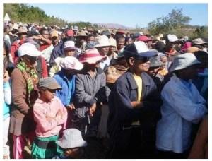 Manifestants contre l'exploitation par la société chinoise Jiuxing Mines et contre les autorités