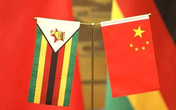 Le Zimbabwe reçoit des vaccins offerts par la Chine