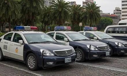 Des gangs armés pro-Chine intimident les indépendantistes