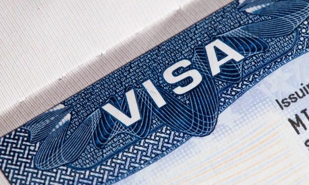 Avec visa ou un permis de résidence, suspension de l'entrée des étrangers