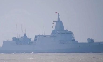 Le second destroyer de Type 055 mit en service en Chine