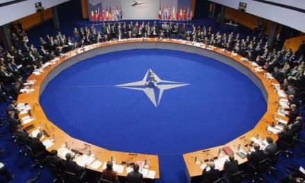 Jens Stoltenberg et Joe Biden discutent de la Chine avant le Sommet de l'OTAN