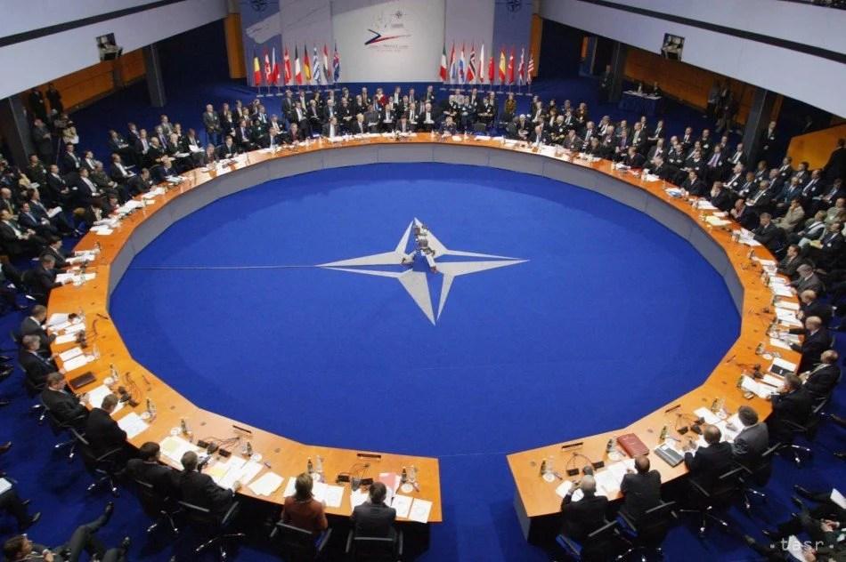 L'OTAN exhorte la Chine à rejoindre les négociations de contrôle des armes nucléaires