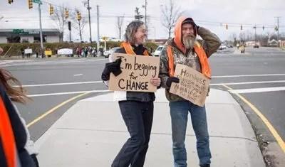 在美国当乞丐赚钱多吗?$200/小时!