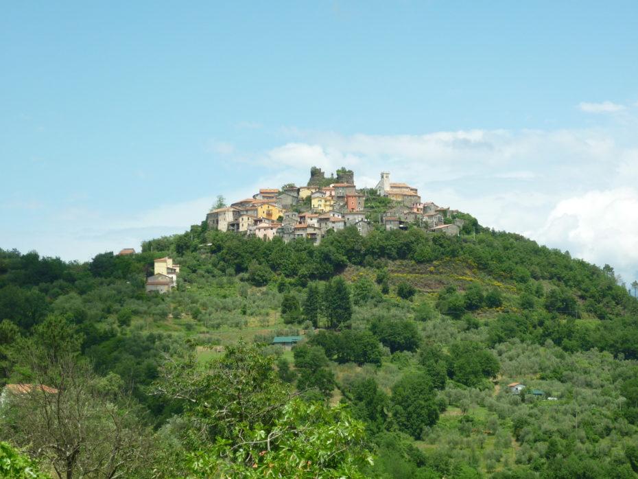 Bibola, borgo tra Aulla e Sarzana.