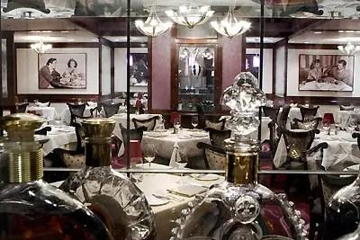 The Top 10 Best Restaurants at Disneyland 1