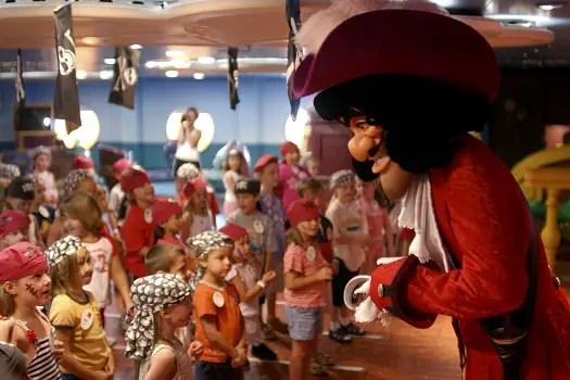 Kids Sail Free on Spring 2011 Cruises 1