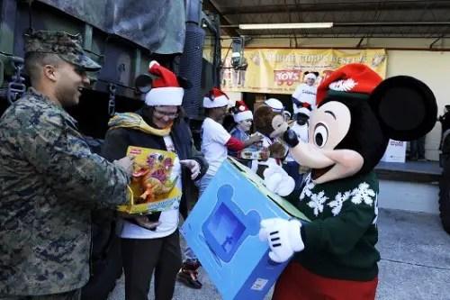 Walt Disney World Resort VoluntEARS Collect 20,000 Toys for Local Children 1