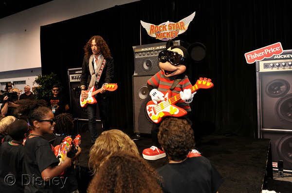 Constantine Maroulis Jams With Rock Star Mickey At D23 Expo