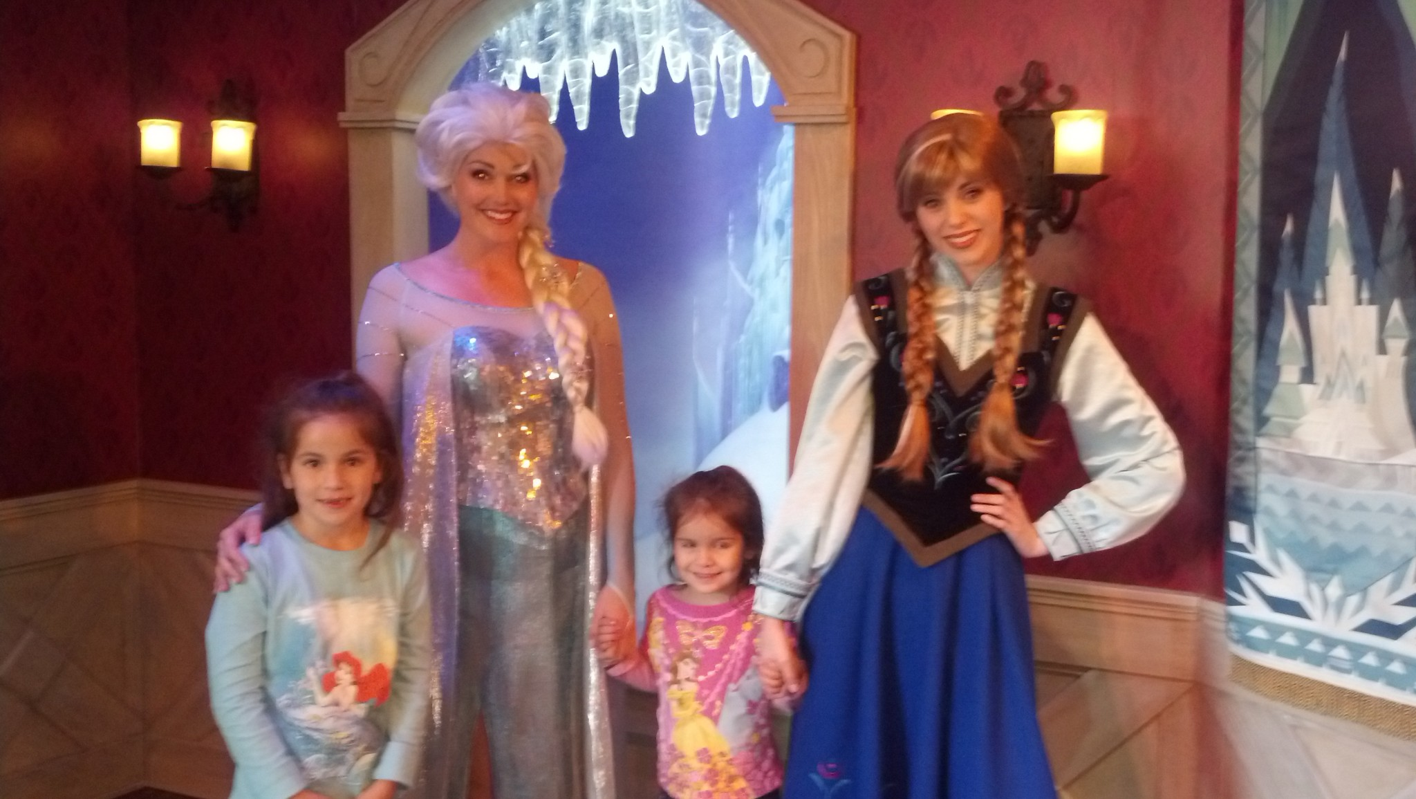 Meeting The Frozen Princesses At Disneyland Chip And Co
