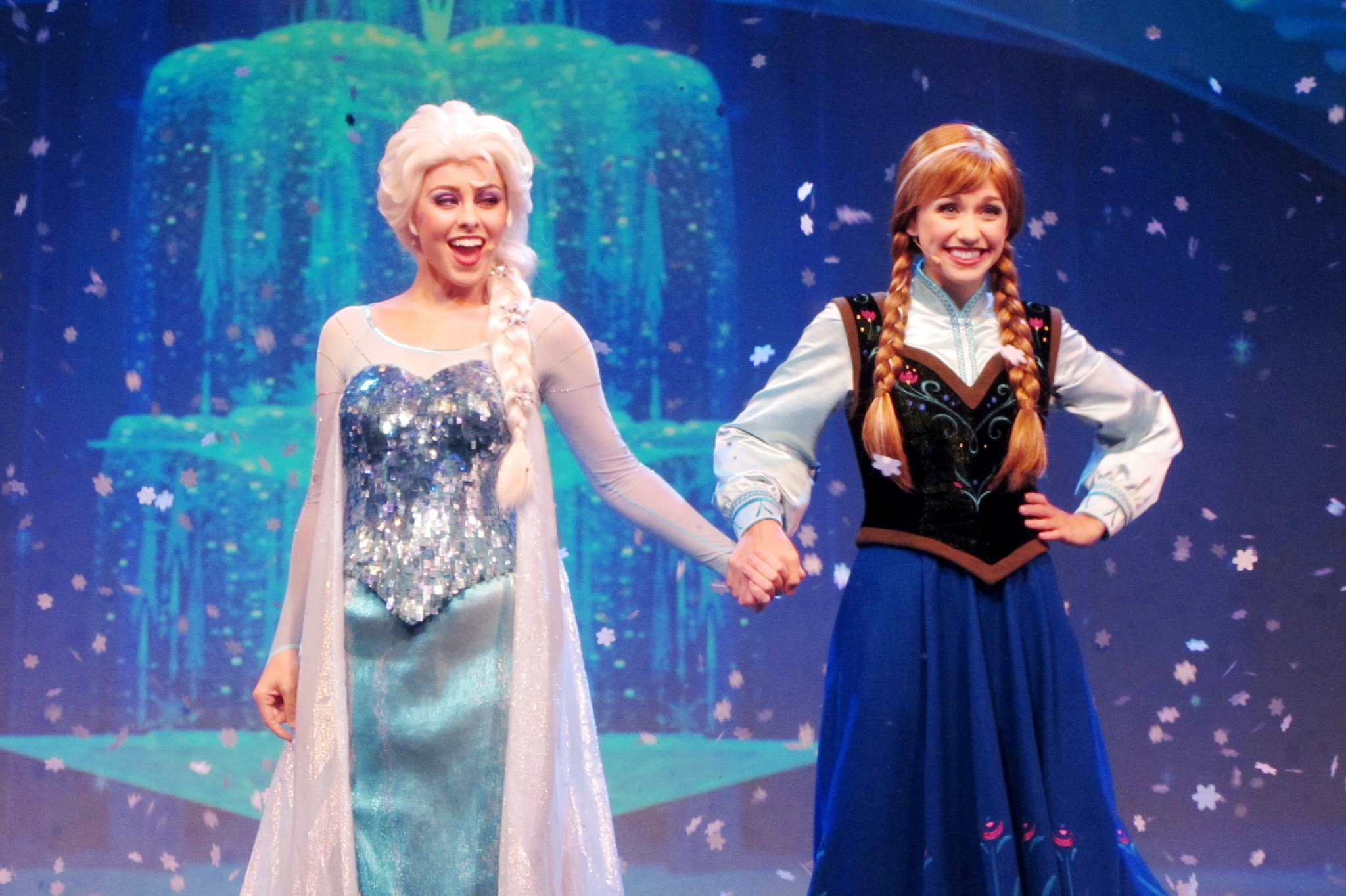 Meet Anna And Elsa This Summer On Select Disney Cruises