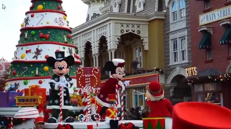 Disneyland Christmas Parade 2021 2014 Disney S Christmas Parade At Disneyland Paris