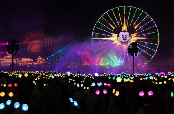 World-of-Color-1_15_DLR_9502-640x420