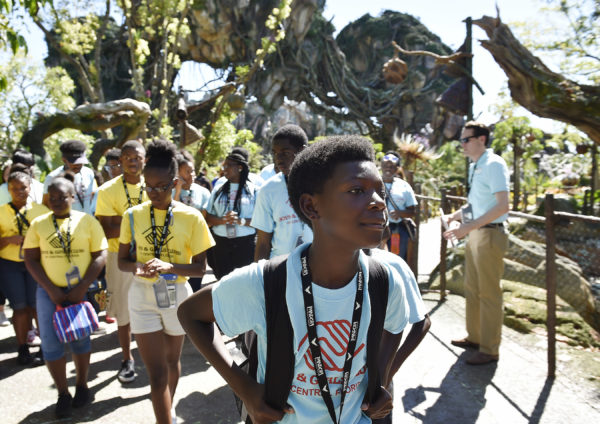 Local Boys and Girls Clubs Enjoyed a Special Preview of Pandora - The World of Avatar 2
