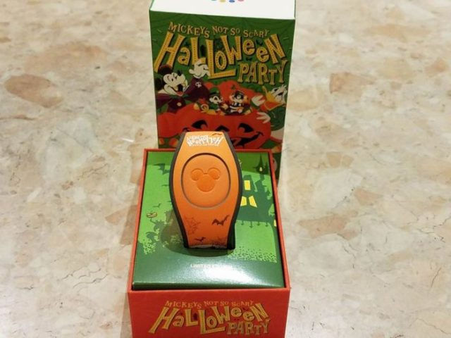 First Look At Event Exclusive Mickey's Not-So-Scary Halloween MagicBand 1
