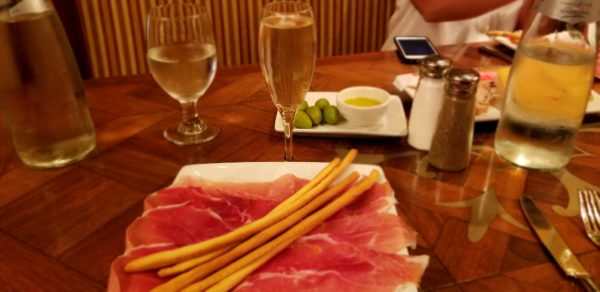 Review: Lunch at Tutto Italia in Epcot's Italian Pavilion 2