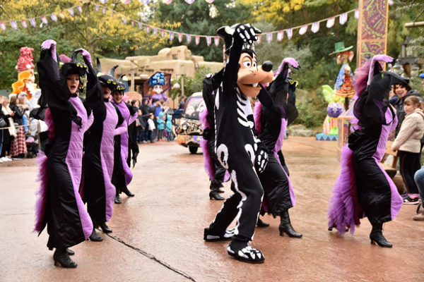 Celebrate Halloween in Disney Theme Parks Throughout the World 1