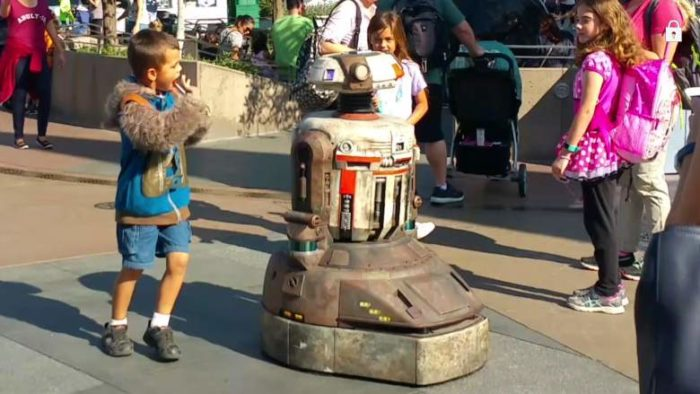 Disneyland Testing Out Droids That May Be Used When Star Wars Land Opens on Both Coasts 1
