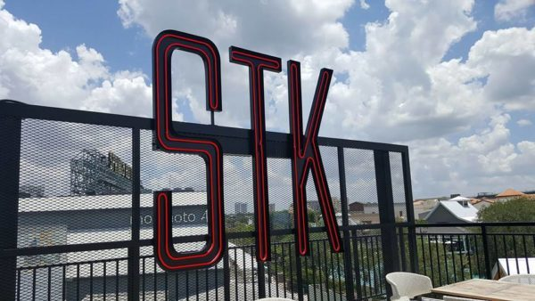 STK In Disney Springs Lets Bartender Go After Negative Yelp Review and Is Now Facing Lawsuit 1