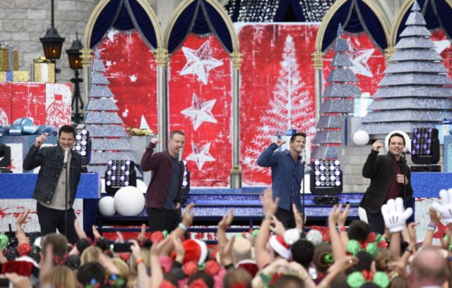 'Disney Parks Magical Christmas Celebration' Airs Christmas Morning With Celebrity Performances 7