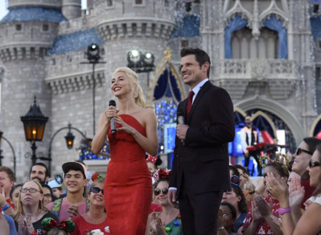 'Disney Parks Magical Christmas Celebration' Airs Christmas Morning With Celebrity Performances 1