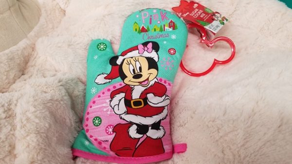 We All Need This Disney Christmas Cookies Oven Mitt From Aldi S
