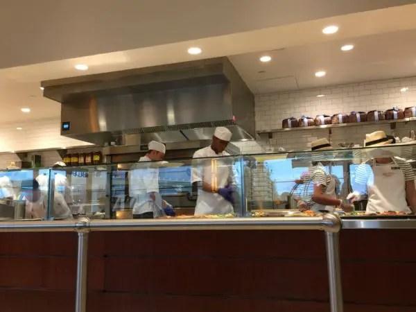 Review: Maria & Enzo's Pizza Ponte Pizzeria at Disney Springs 2