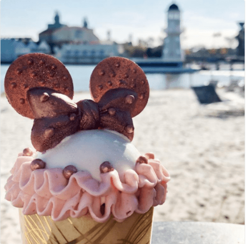Your Guide to All the Rose Gold Cupcakes at Walt Disney World 5