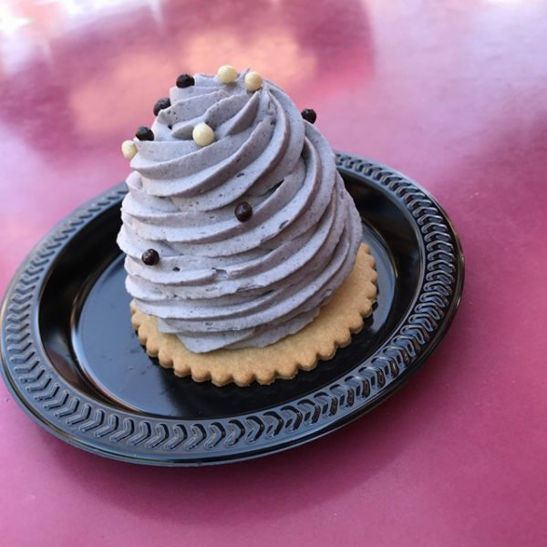 The Grey Stuff Cookies and Cream Mousse at Disneyland 1