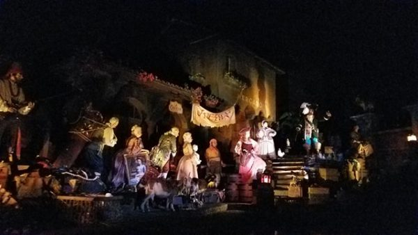 Pirates of the Caribbean Reopens Today with New Auction Scene 2