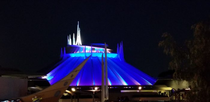 Checking Out The Tomorrowland Skyline Lounge Experience At Disneyland 6