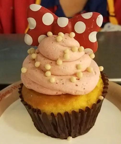 Minnie Strawberry Shortcake Cupcake