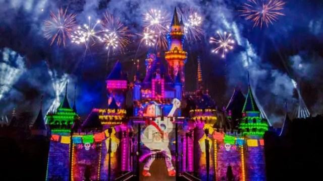 #DisneyParksLIVE