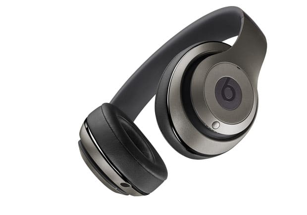 overear-studio-wireless-titanium-zoom-bottom-O