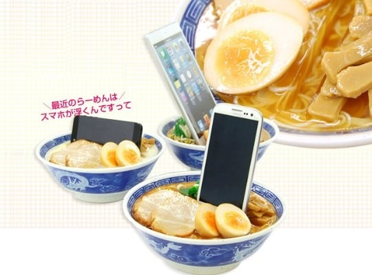 japan-food-sample-fake-meal-display-ramen-noodles-smartphone-stand-2