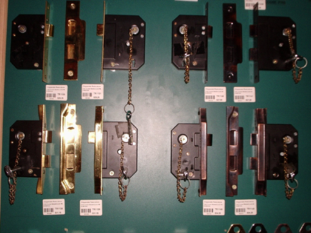 Locks TR2