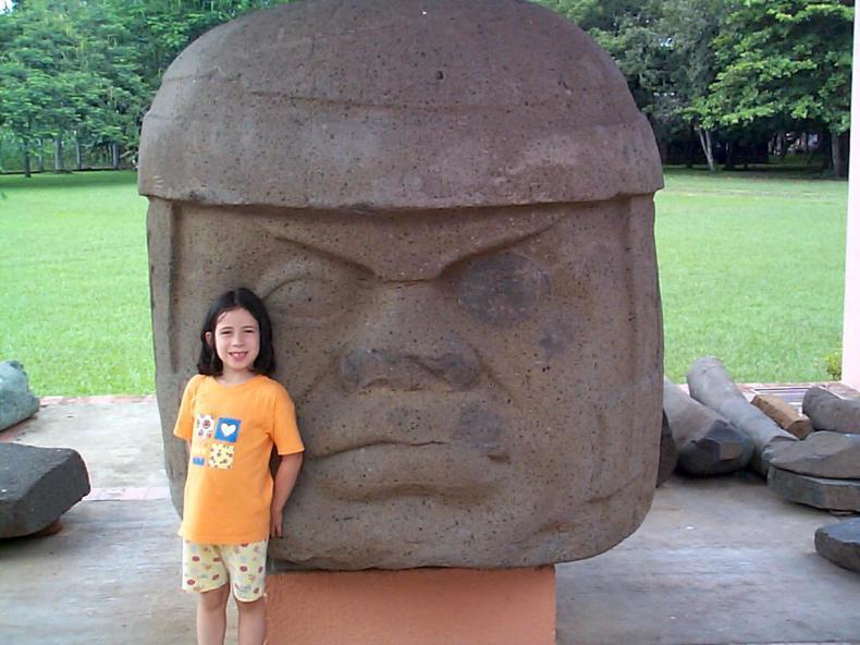 Estatua olmeca