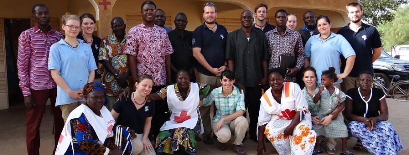 Mission humanitaire au Burkina Faso, avec chiropracteurs et bénévoles de Croix-Rouge. Pays basque