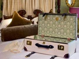 Luxury Christmas Gift Ideas For Travelers