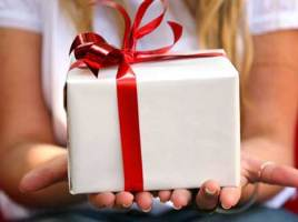 7 Gift Ideas for Women - Make Gifting Special