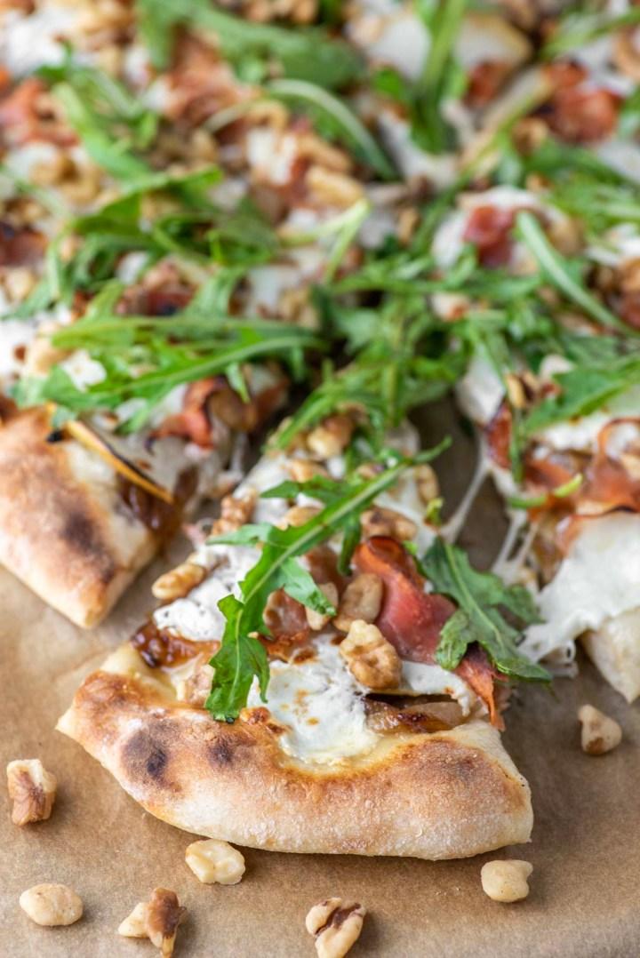 slice of pear and prosciutto pizza