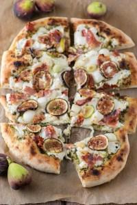 overlay of fig prosciutto pizza