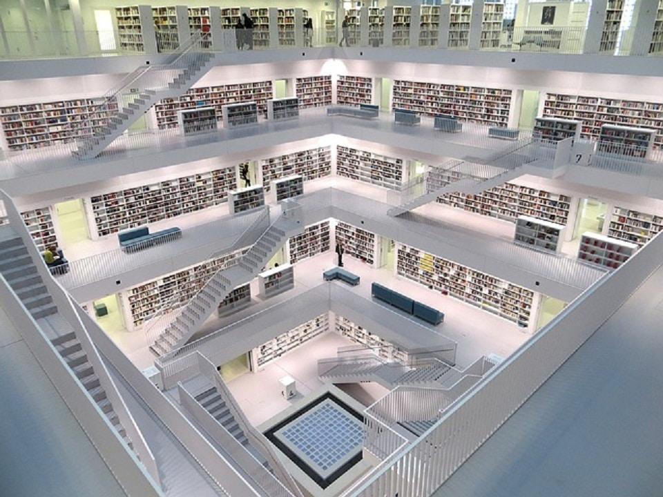 ドイツのシュトゥットガルト市立図書館