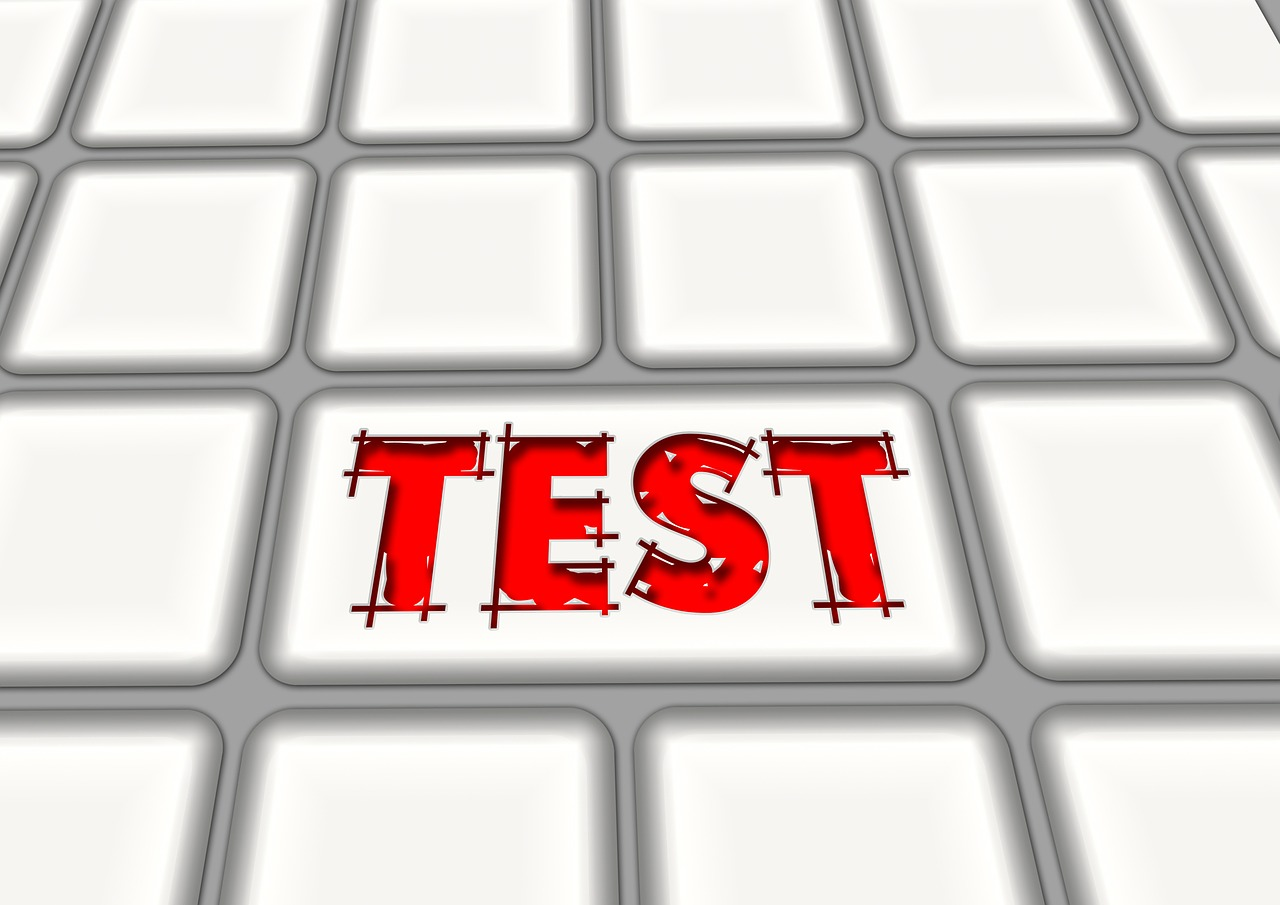 キーボードのひとつに表示されたTESTの文字