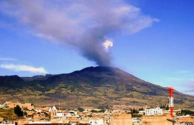 Resultado de imagen para Fotos del el volcán Galeras en erupción