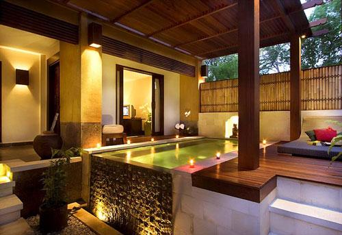 deluxe-pool-suite