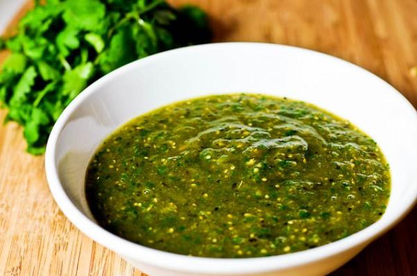 receta-de-salsa-verde-en-comal